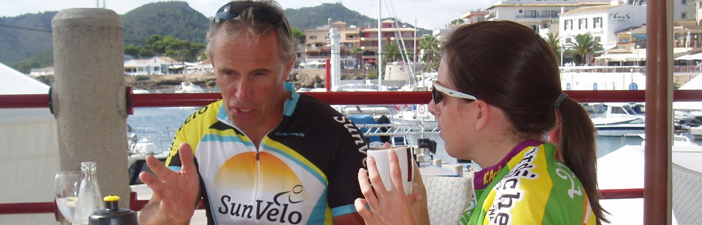Sunvelo Instructor talking to a cyclist
